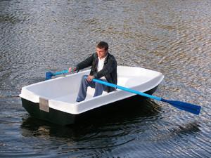 Пластиковые лодки под мотор для рыбалки, преимущества и недостатки