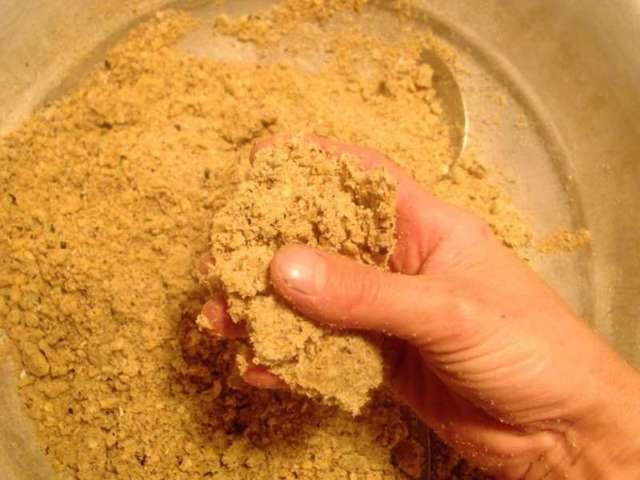 Зимняя прикормка для плотвы своими руками, состав и компоненты