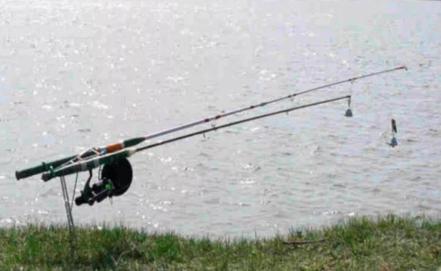 Донка из спиннинга с кормушкой, изготовление своими руками, техника ловли