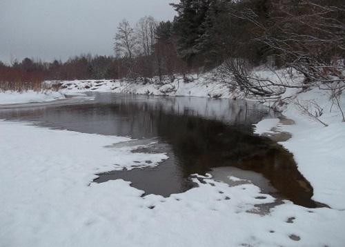 Безопасная толщина льда для рыбалки, правила безопасности