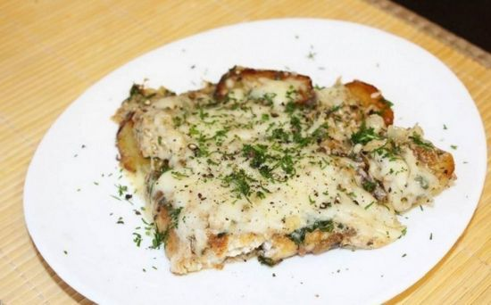 Запеченный осетр в духовке: вкусные рецепты целиком и кусочками