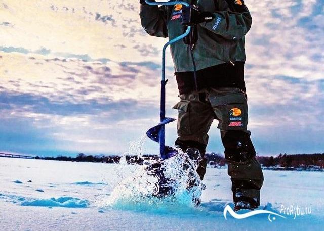 Буры для зимней рыбалки, обзор видов и характеристика ледобуров